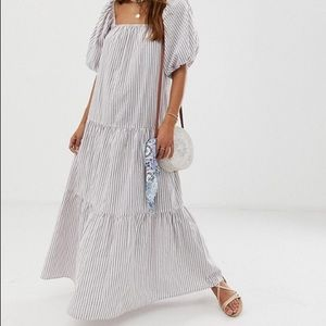 NWT maxi dress with puff sleeve